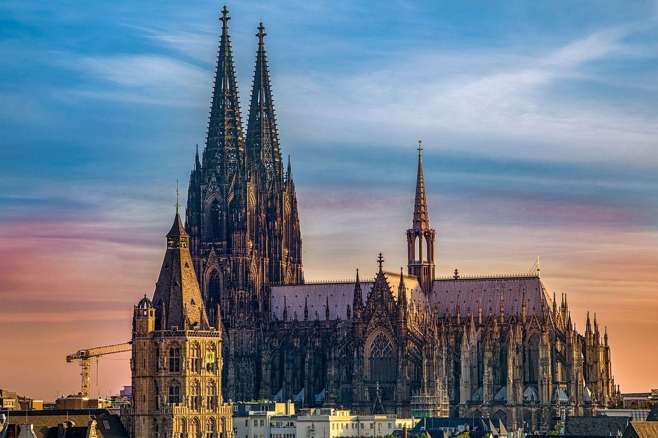 Sie sucht ihn in Köln