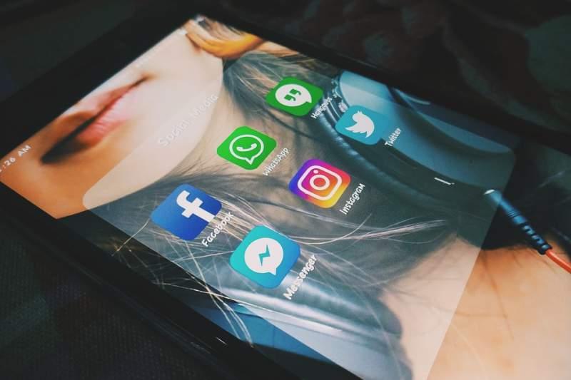 Flirtsprüche per SMS und WhatsApp