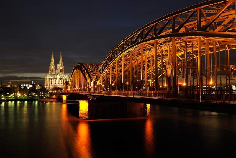 Sie sucht Sie aus Köln